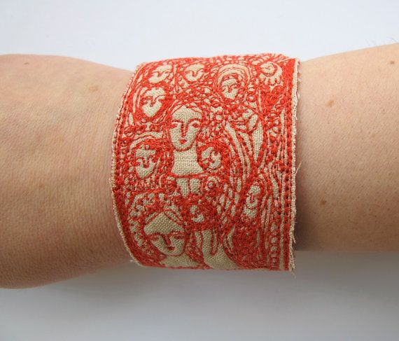 cathy cullis embroided cuff bracelet brodé